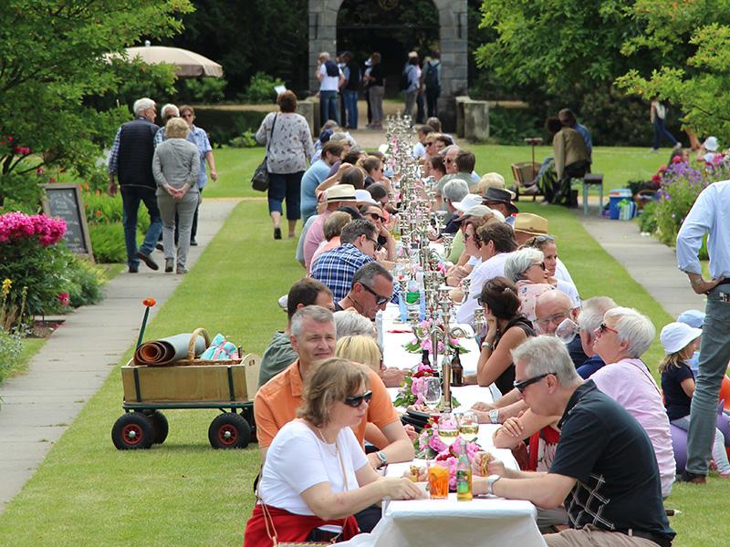 Schloss Dyck, Picknick im Park, Copyright: Spanjer